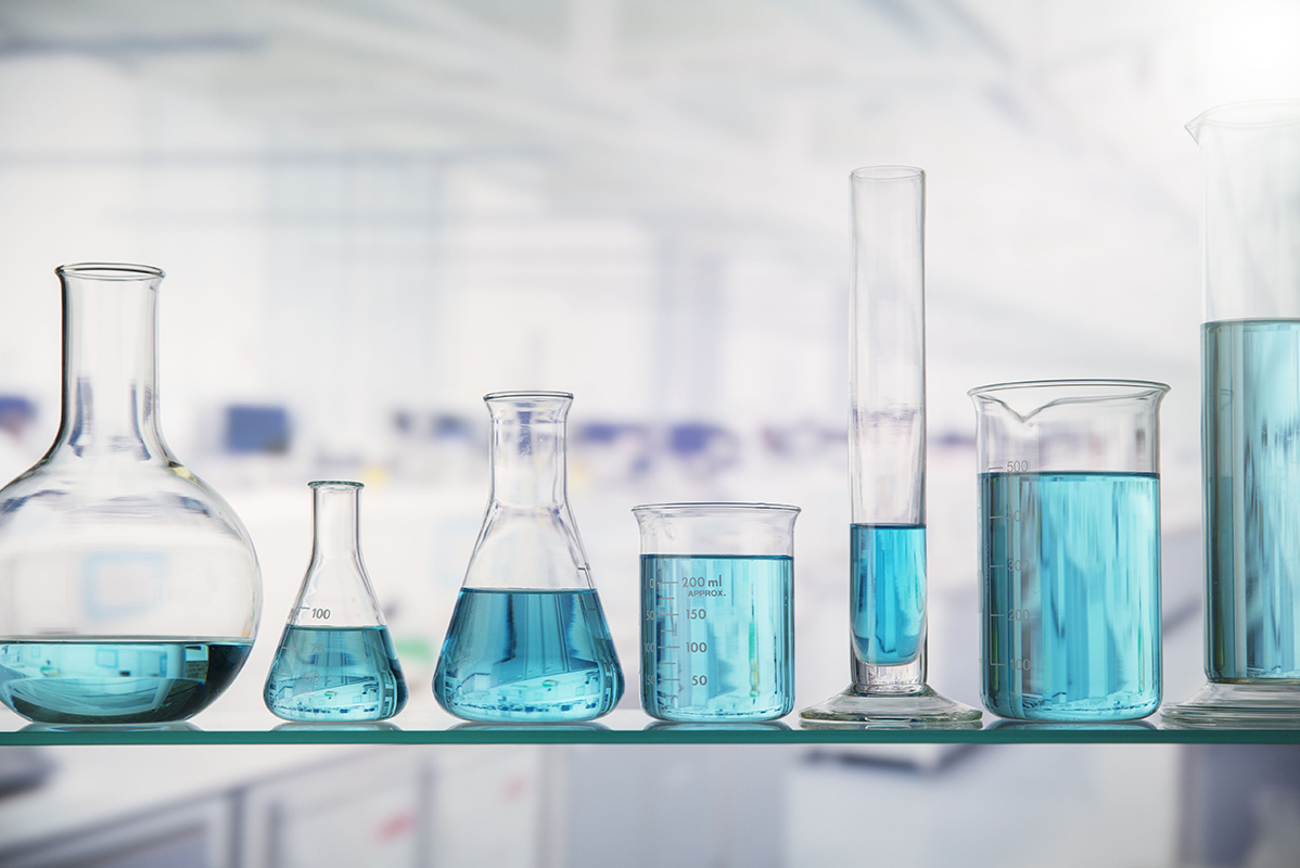 beakers-with-solution-on-shelf-in-lab-521811051-5823504d3df78c6f6a8dc038.jpg
